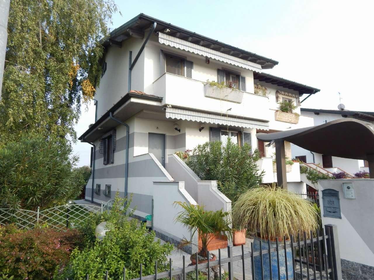Villa Bifamiliare in Vendita a Caravaggio