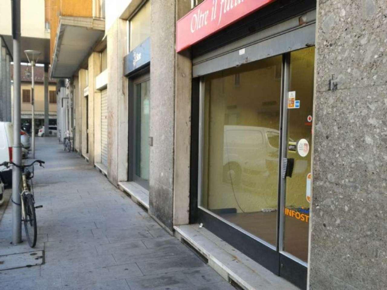 Negozio / Locale in vendita a Rho, 2 locali, prezzo € 1.600 | Cambio Casa.it