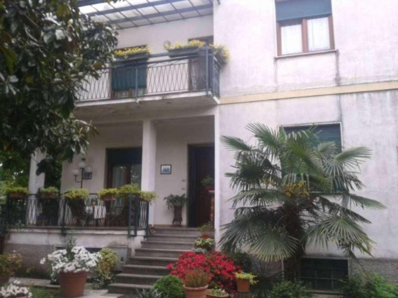 Villa in vendita a Rho, 6 locali, Trattative riservate | Cambio Casa.it