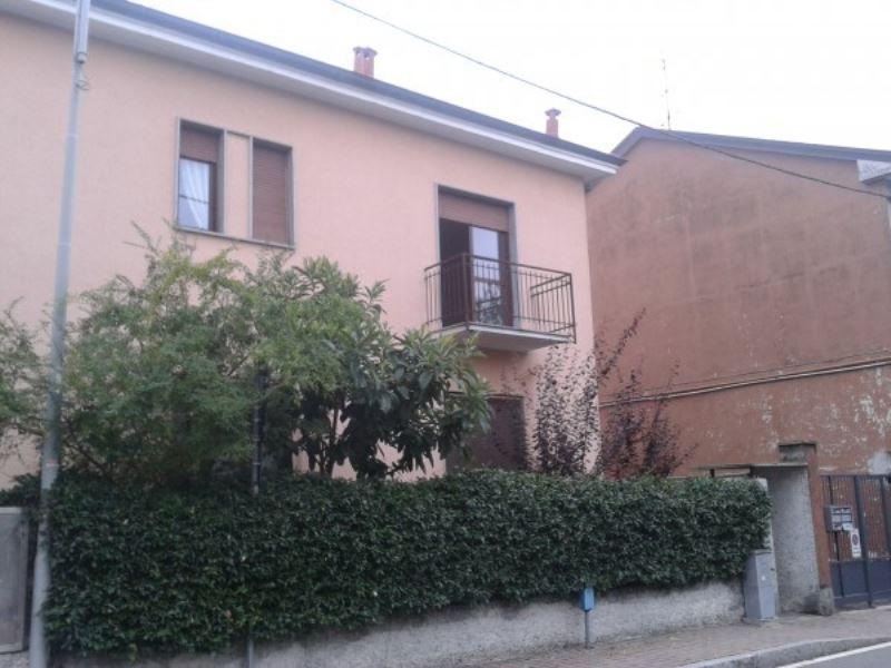 Soluzione Indipendente in affitto a Pregnana Milanese, 2 locali, prezzo € 500 | Cambio Casa.it