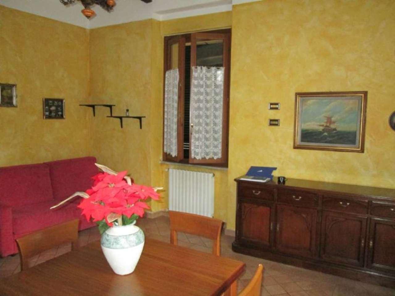 Bilocale Giussano Via Garibaldi 8