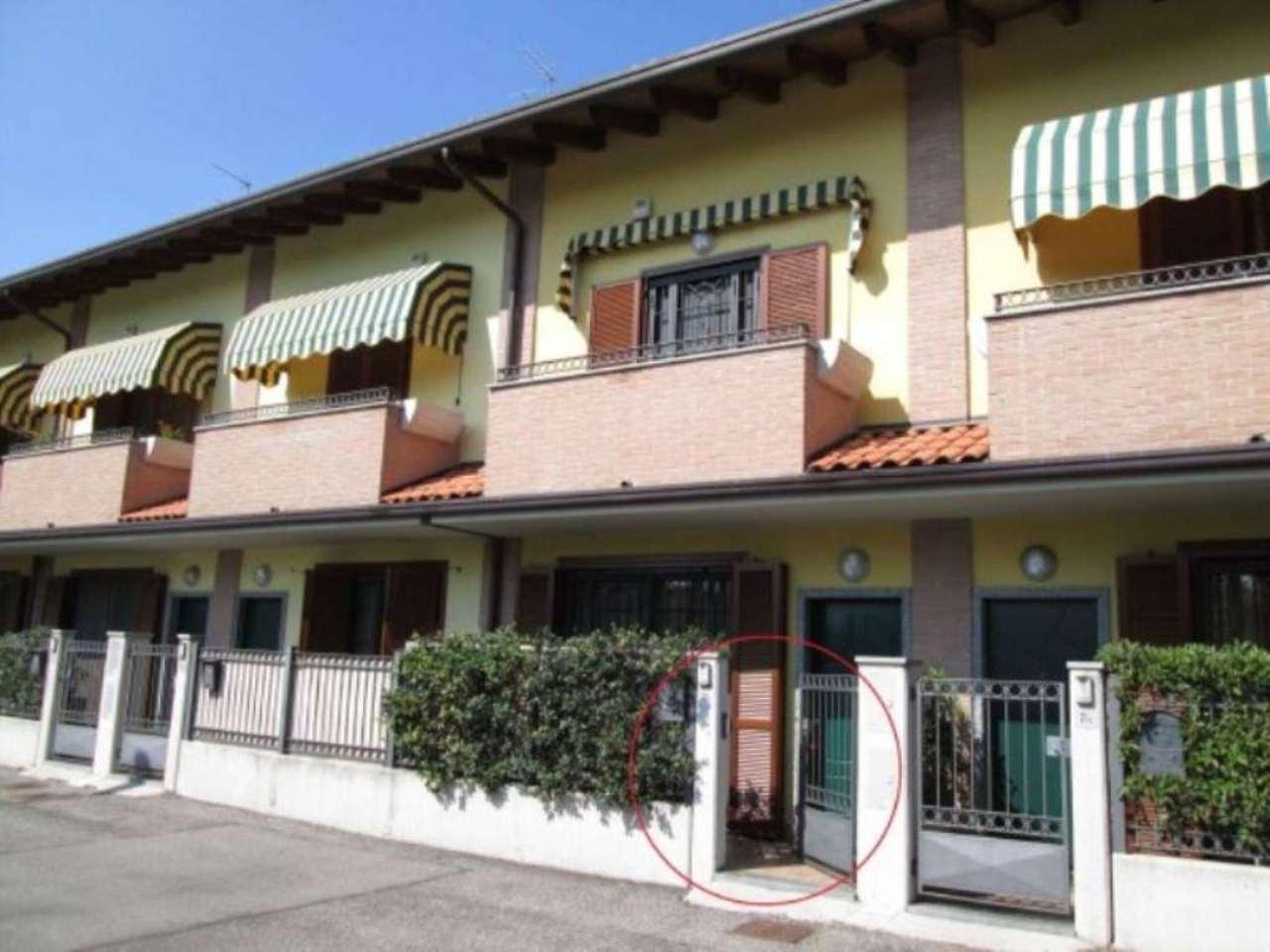 Soluzione Indipendente in vendita a Cesano Maderno, 4 locali, prezzo € 275.000 | Cambio Casa.it