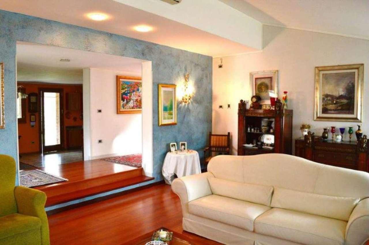 Villa in vendita a Leno, 5 locali, prezzo € 780.000 | Cambio Casa.it