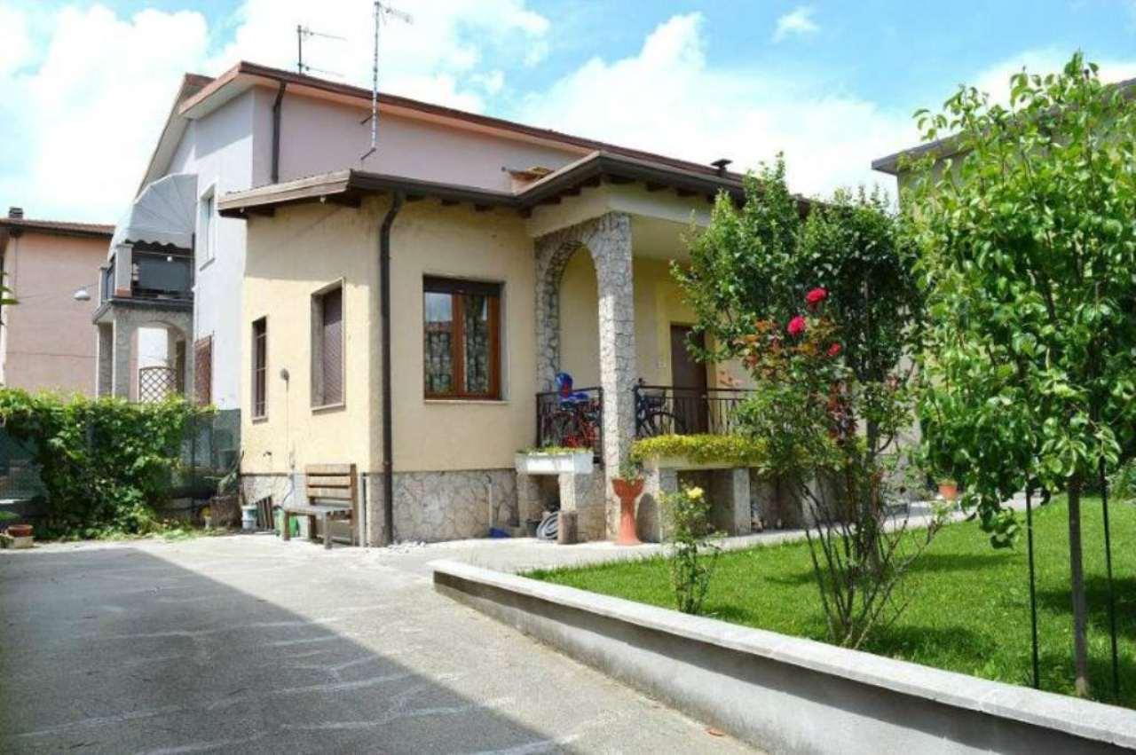 Villa in vendita a San Zeno Naviglio, 3 locali, prezzo € 170.000 | Cambio Casa.it