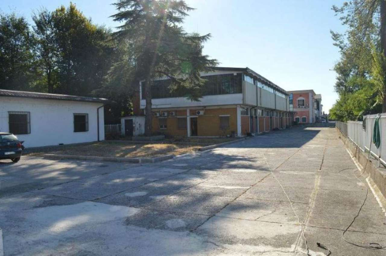 Laboratorio in vendita a Montirone, 9999 locali, prezzo € 225.000   CambioCasa.it