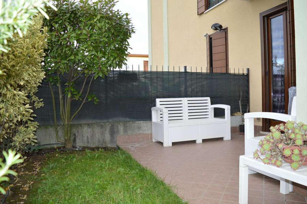 Appartamento in vendita a Castenedolo, 3 locali, prezzo € 138.000 | Cambio Casa.it