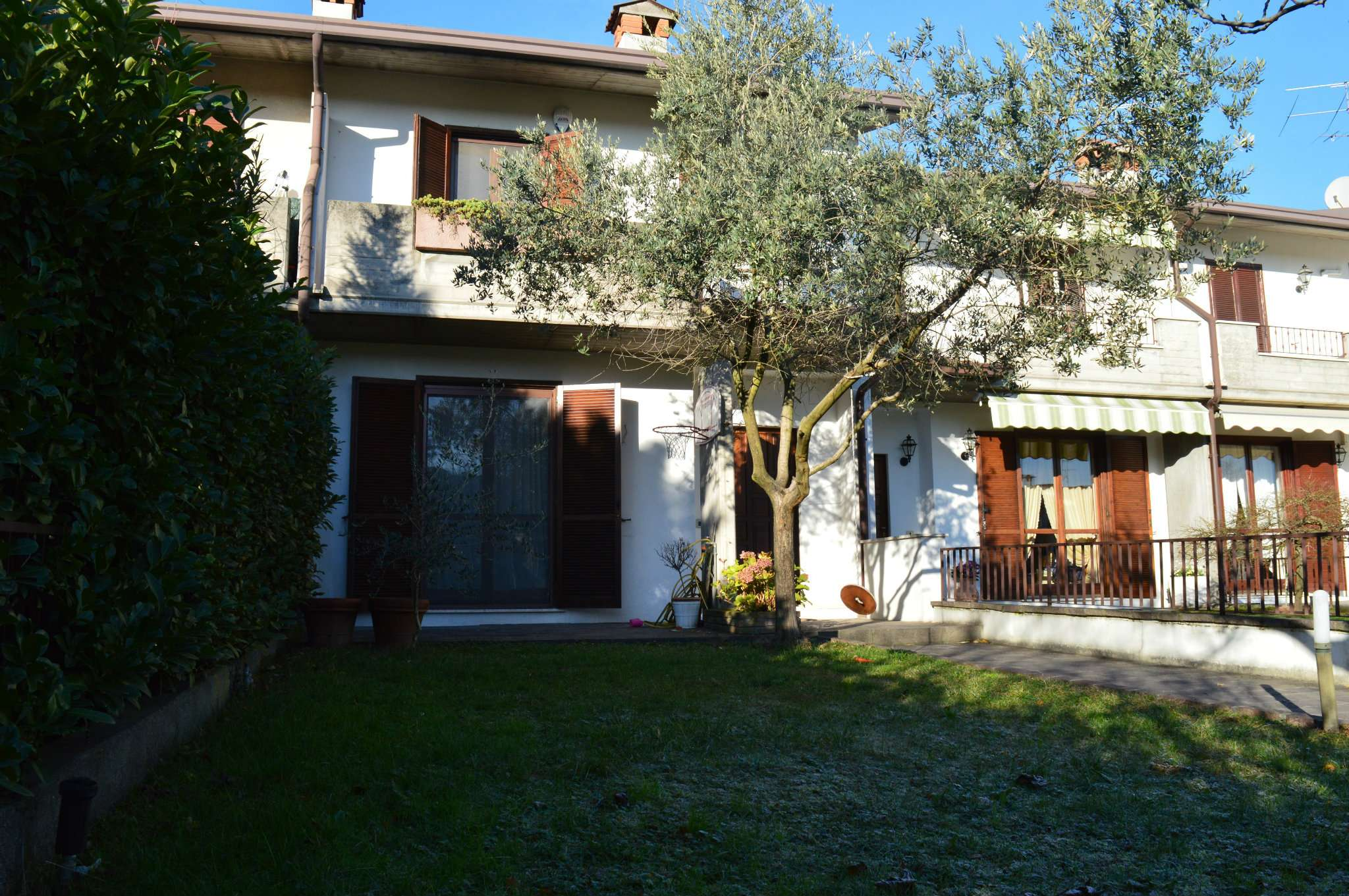 Villa a Schiera in Vendita a San Zeno Naviglio