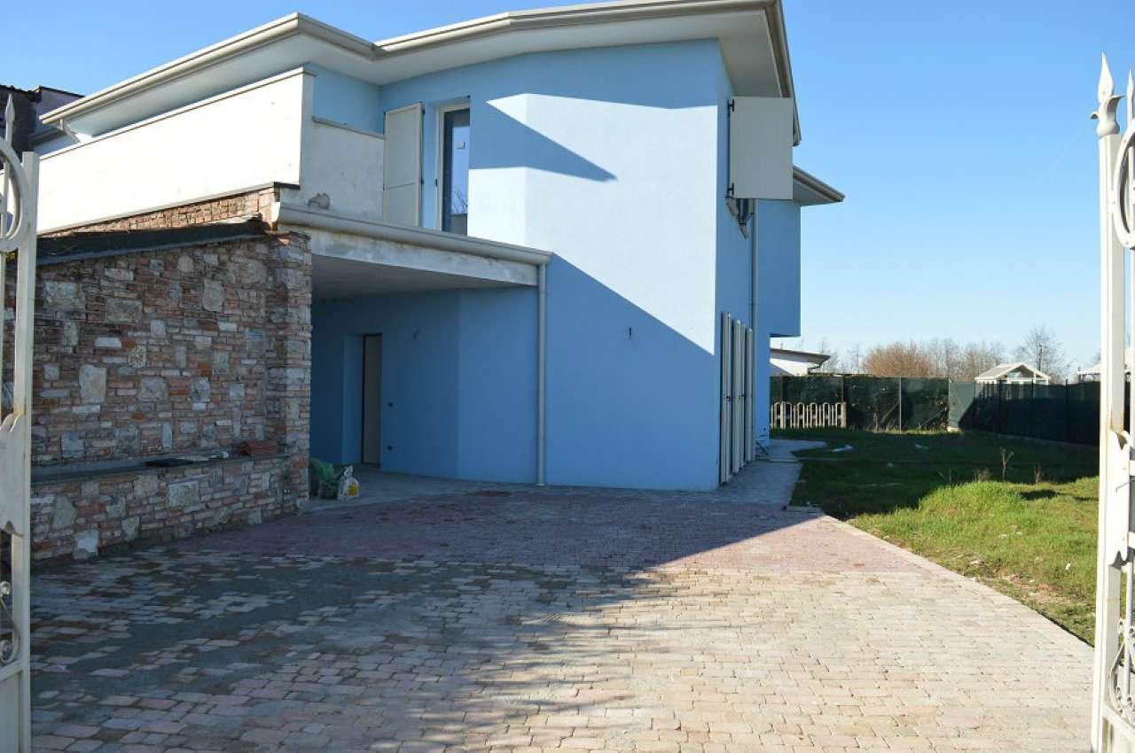 Villa in vendita a Castenedolo, 4 locali, prezzo € 260.000 | CambioCasa.it