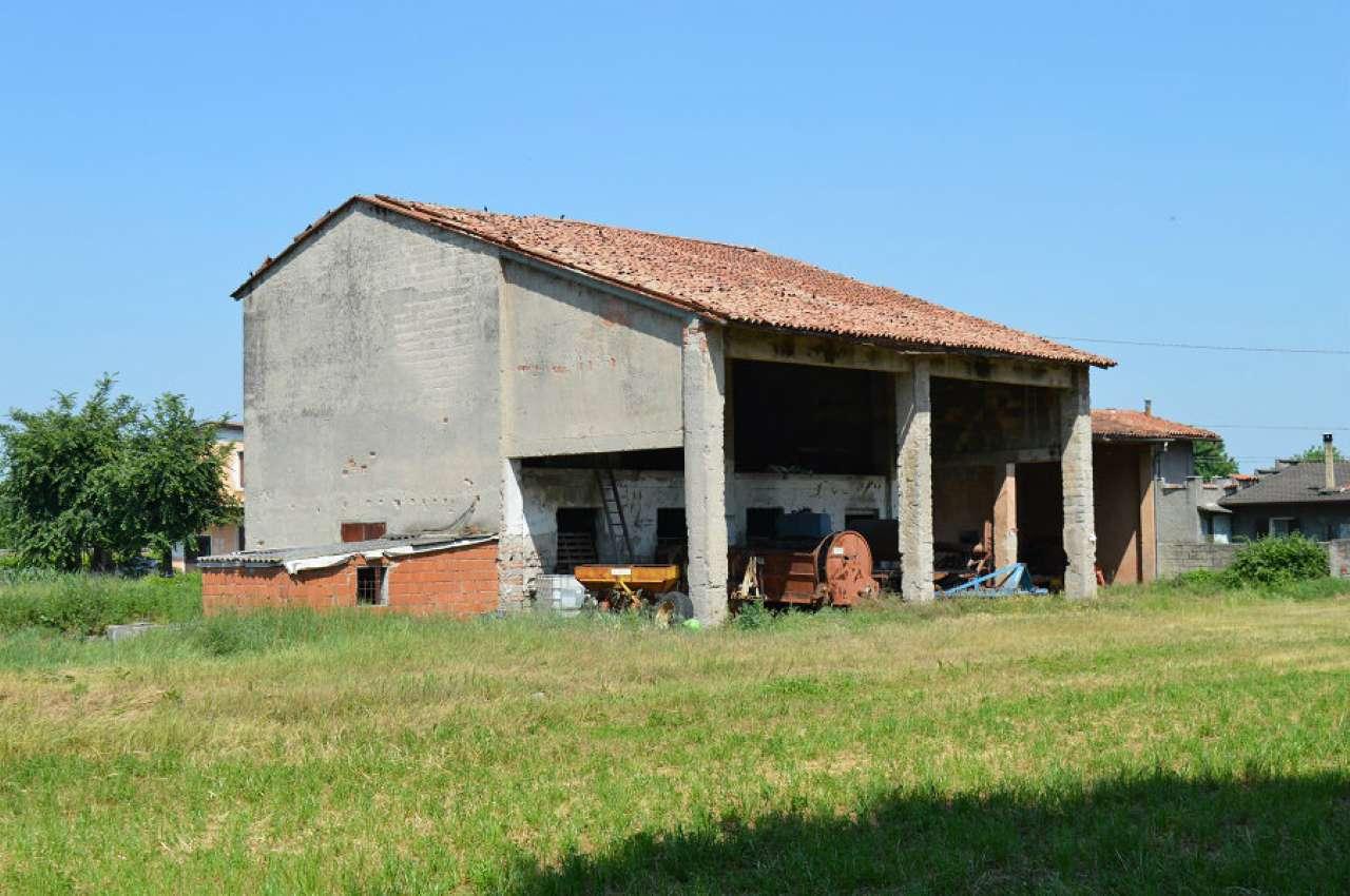 Rustico / Casale in vendita a Montirone, 4 locali, prezzo € 350.000 | Cambio Casa.it
