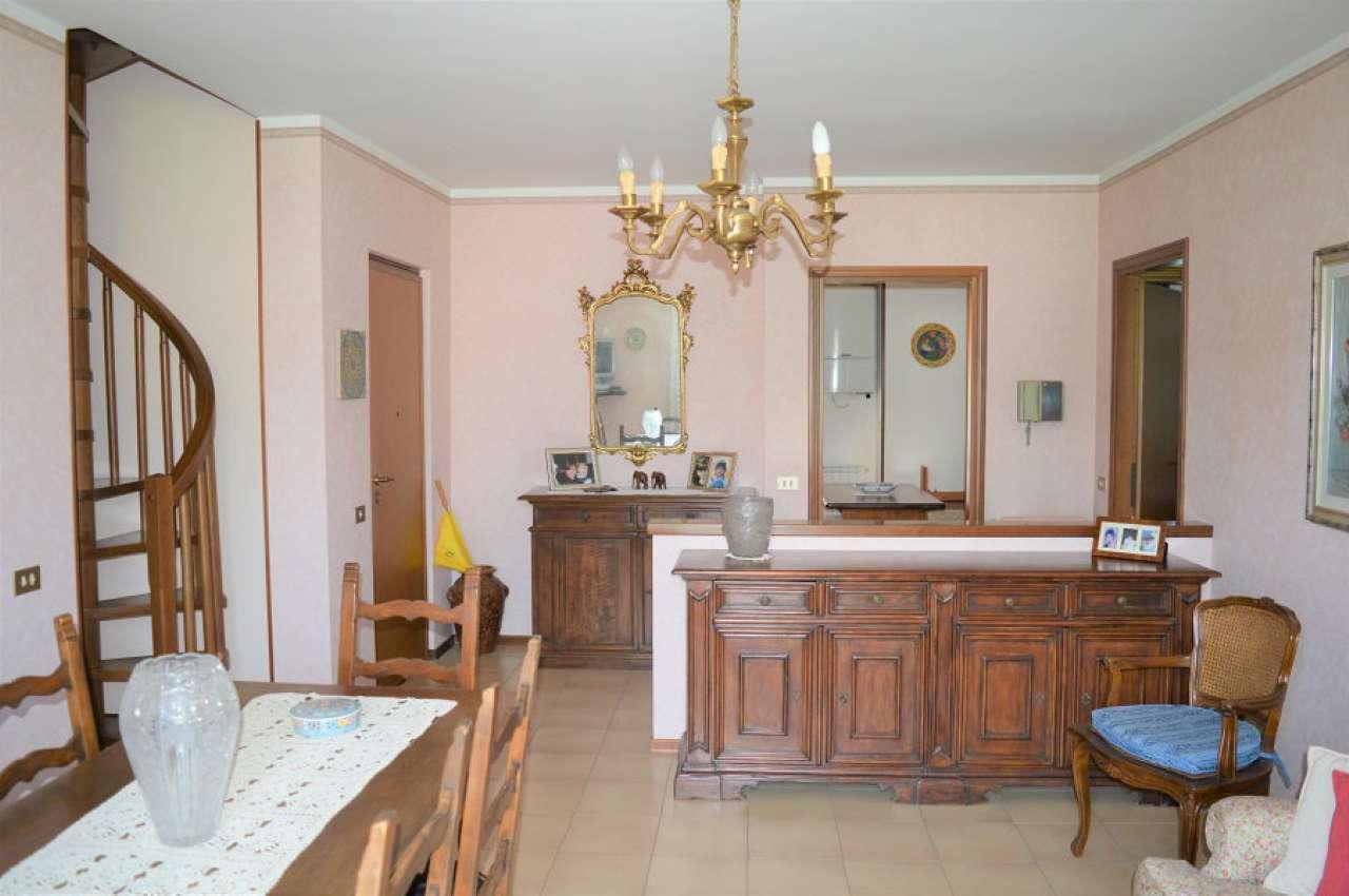 Appartamento in vendita a Botticino, 3 locali, prezzo € 160.000 | CambioCasa.it