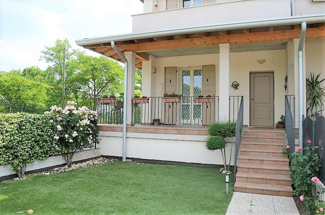 Appartamento in vendita a Montirone, 3 locali, prezzo € 190.000   CambioCasa.it