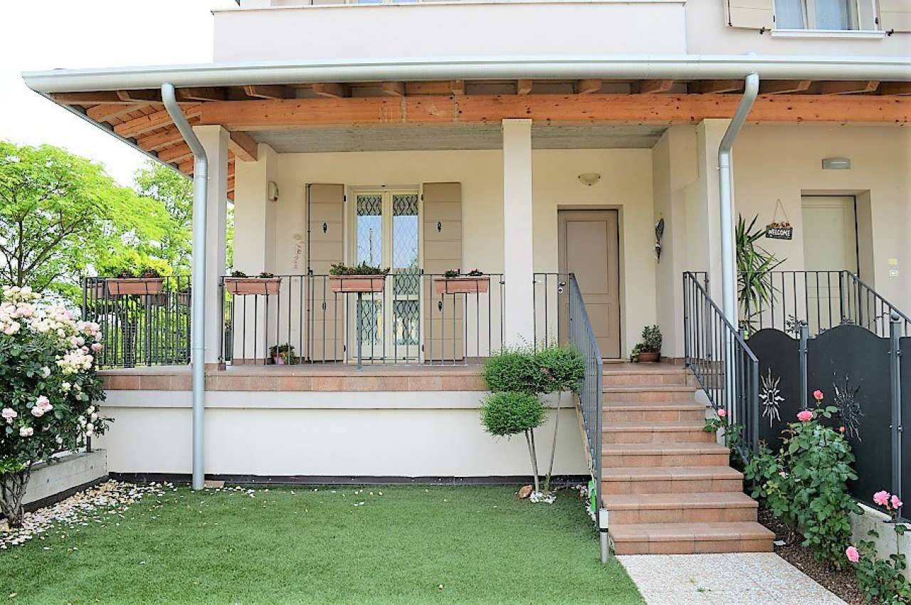Appartamento in vendita a Montirone, 3 locali, prezzo € 190.000   Cambio Casa.it