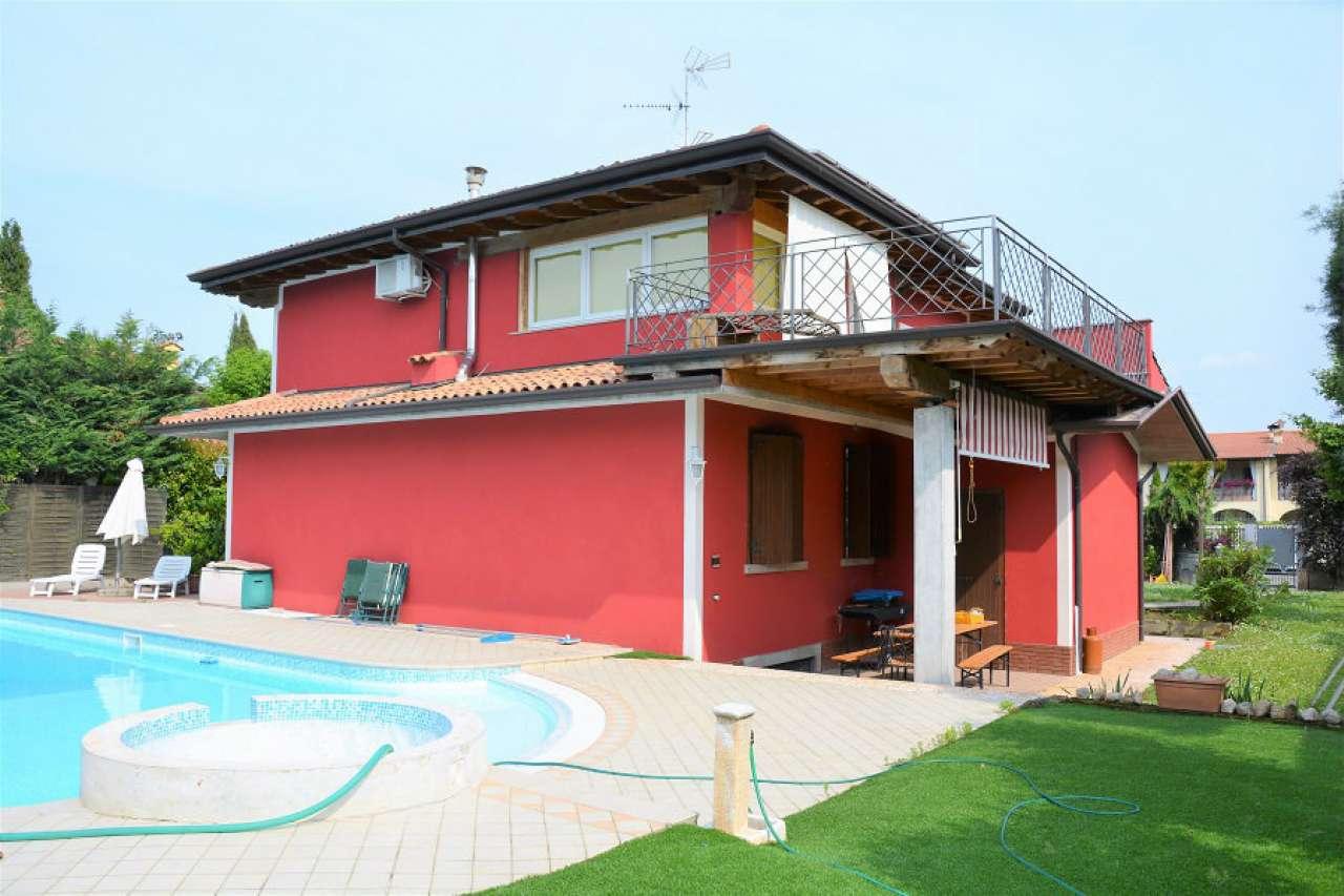 Villa in vendita a Prevalle, 10 locali, prezzo € 550.000 | Cambio Casa.it