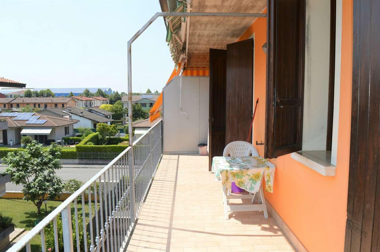 Appartamento in vendita a San Zeno Naviglio, 2 locali, prezzo € 90.000 | CambioCasa.it