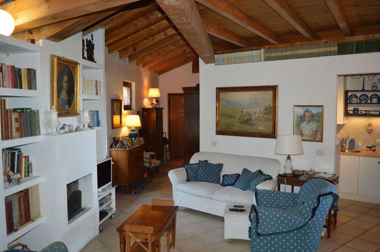 Appartamento in vendita a San Zeno Naviglio, 2 locali, prezzo € 125.000 | CambioCasa.it