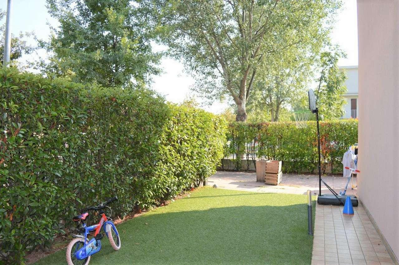 Appartamento in vendita a San Zeno Naviglio, 3 locali, prezzo € 155.000 | CambioCasa.it