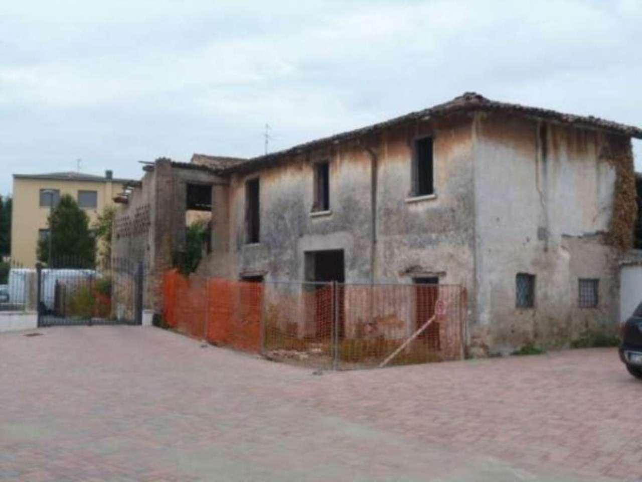 Rustico / Casale in vendita a Borgosatollo, 6 locali, prezzo € 160.000 | Cambio Casa.it