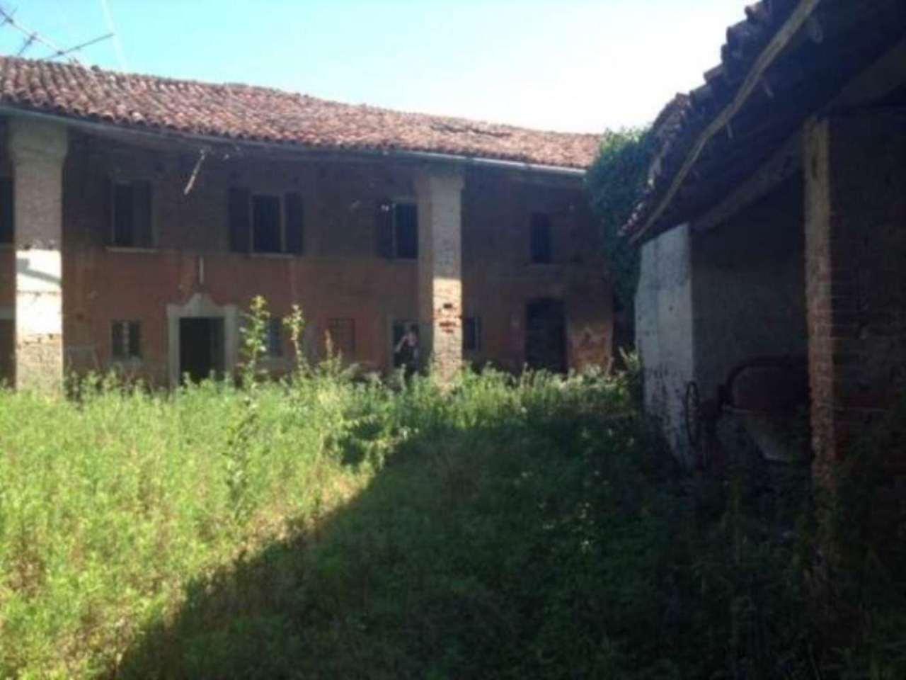 Rustico / Casale in vendita a Montirone, 6 locali, prezzo € 300.000 | Cambio Casa.it