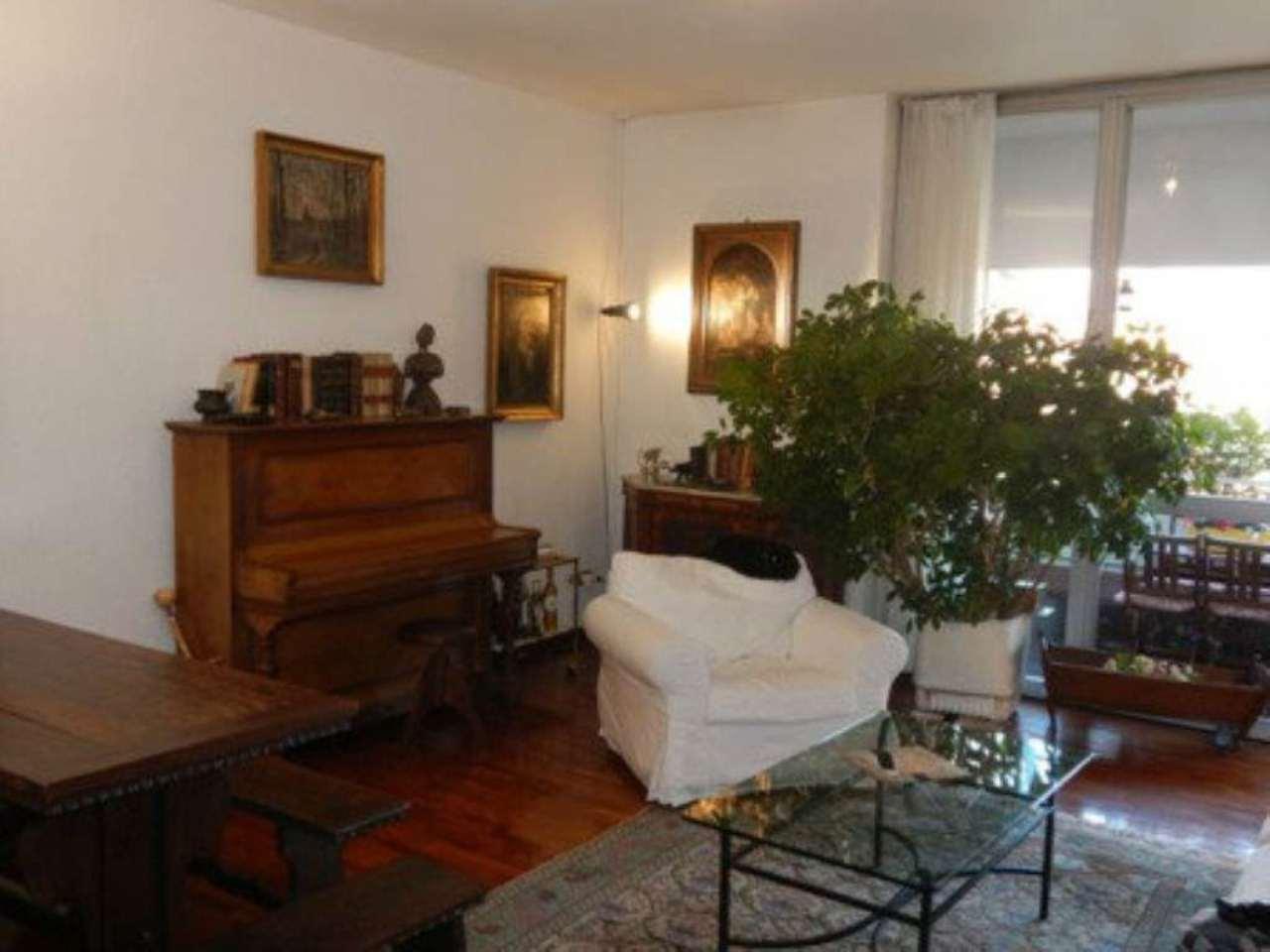 Attico / Mansarda in vendita a Segrate, 5 locali, prezzo € 699.000 | CambioCasa.it