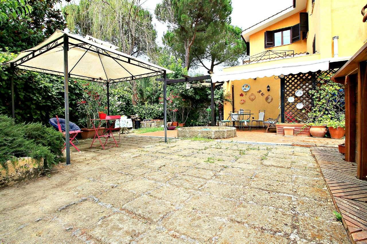 Villa Tri-Quadrifamiliare in Vendita a Formello