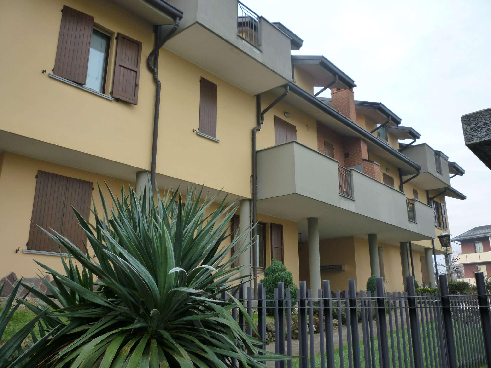 Attico / Mansarda in affitto a Aicurzio, 3 locali, prezzo € 600 | Cambio Casa.it