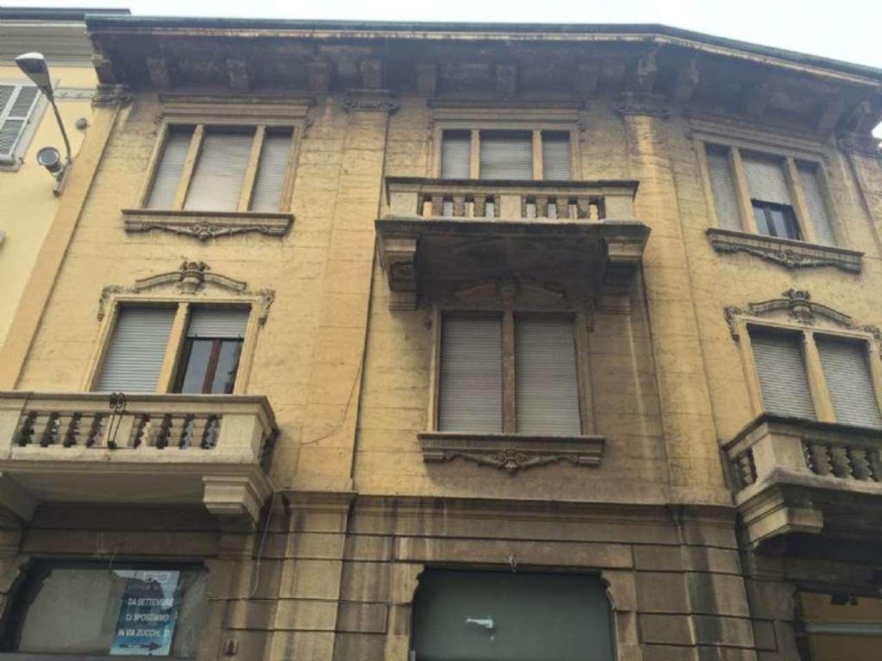 Negozio / Locale in affitto a Monza, 5 locali, zona Zona: 1 . Centro Storico, San Gerardo, Via Lecco, prezzo € 150.000 | Cambio Casa.it