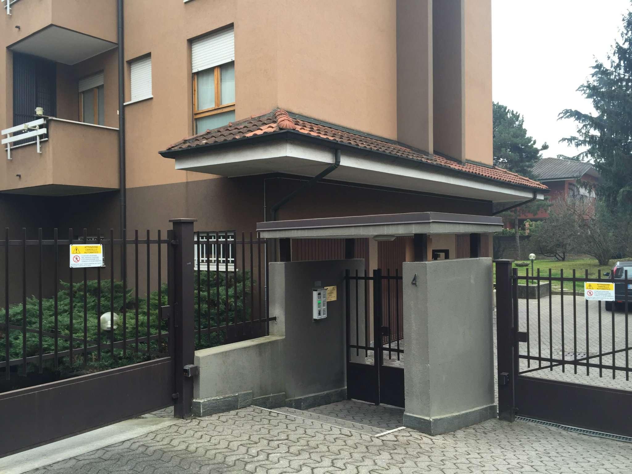 Bilocale Monza Angolo Via Fidia 13