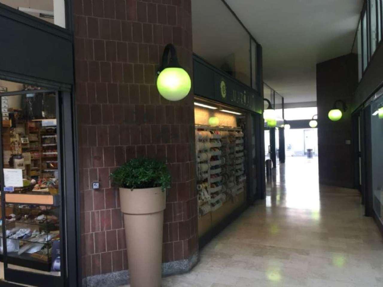 Negozio / Locale in vendita a Monza, 2 locali, zona Zona: 1 . Centro Storico, San Gerardo, Via Lecco, prezzo € 240.000 | Cambio Casa.it