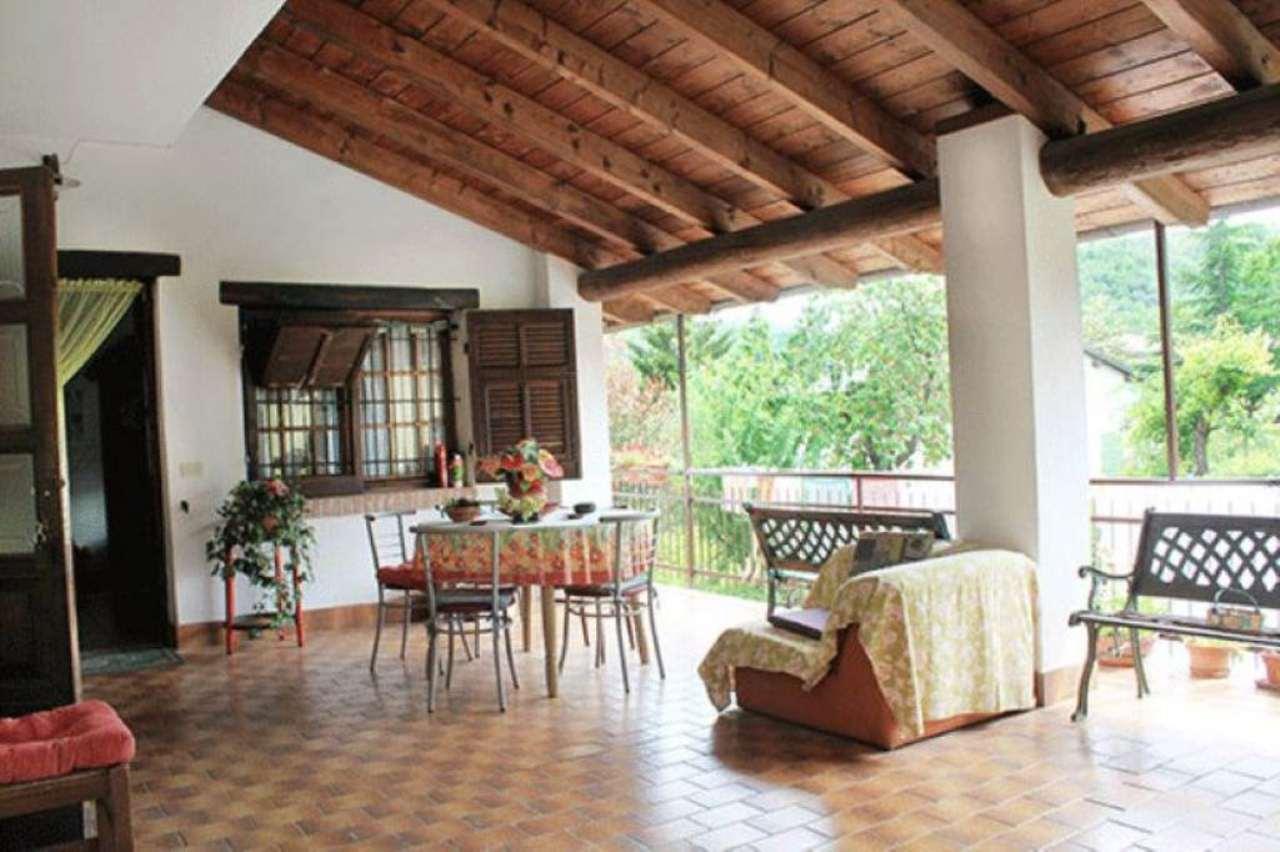Appartamento in vendita a Casaleggio Boiro, 6 locali, prezzo € 100.000 | Cambio Casa.it