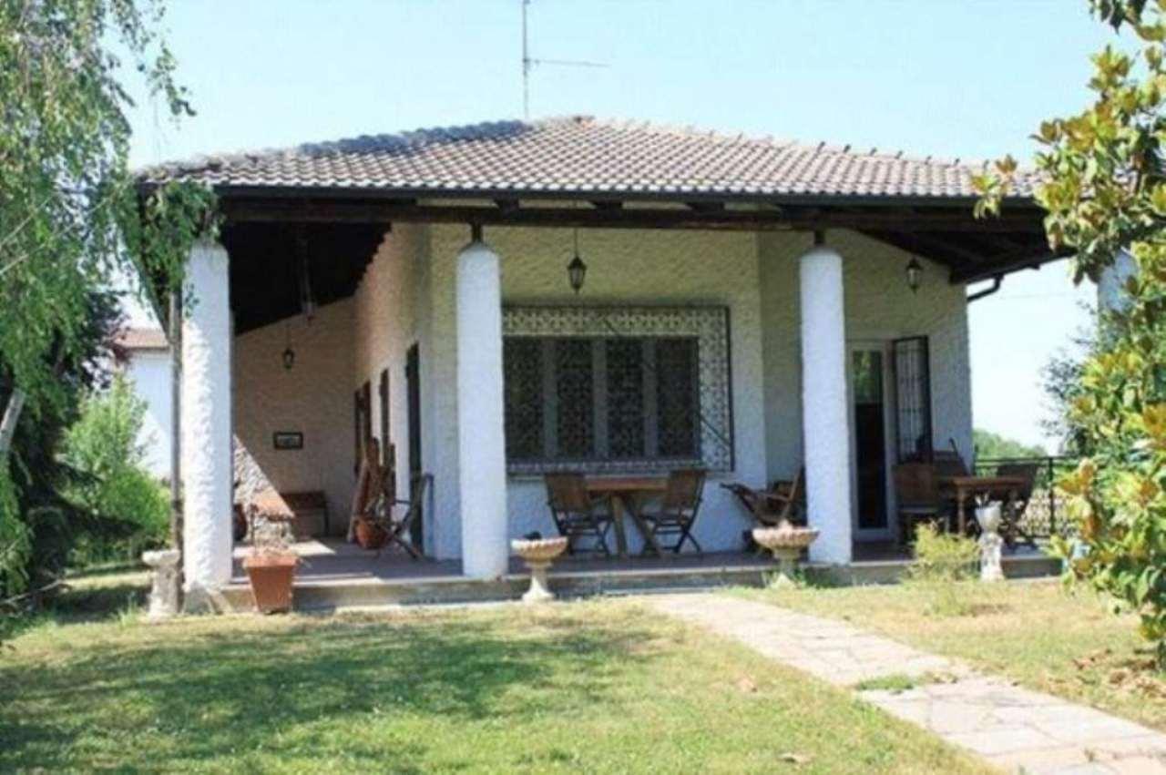 Villa in vendita a Predosa, 12 locali, prezzo € 540.000 | Cambio Casa.it