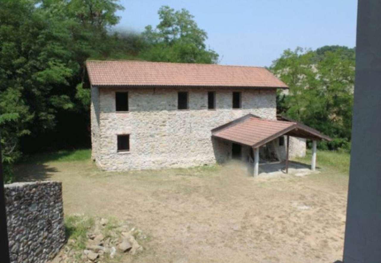 Soluzione Indipendente in vendita a Morbello, 6 locali, prezzo € 260.000 | Cambio Casa.it