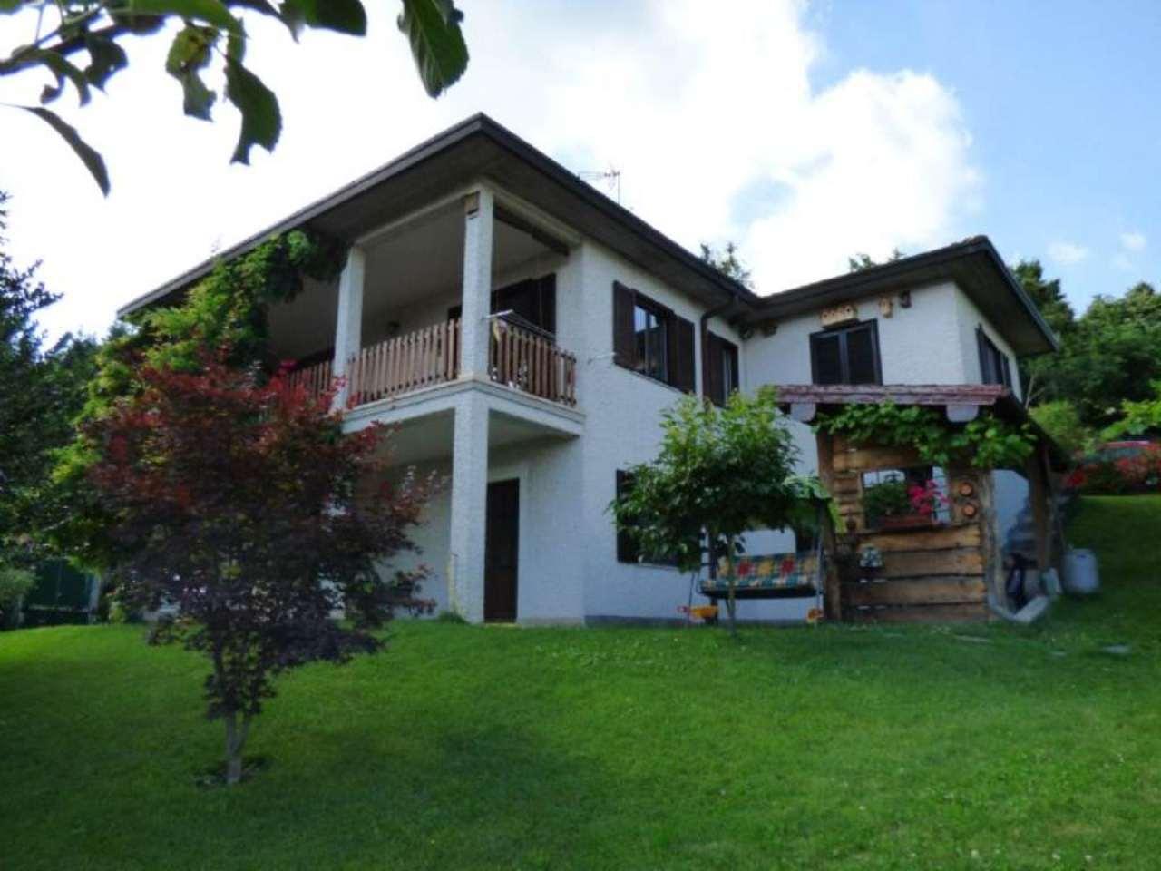 Villa in vendita a Montegrino Valtravaglia, 5 locali, prezzo € 370.000 | CambioCasa.it