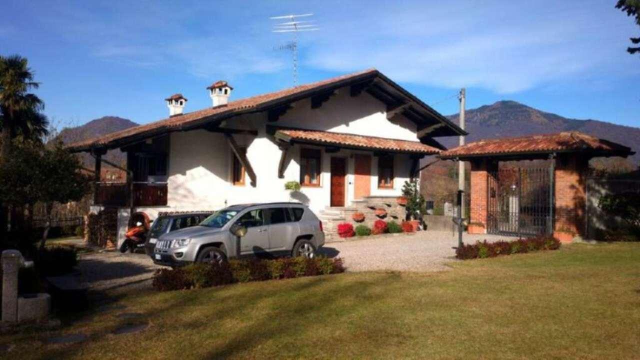 Villa in vendita a Cocquio-Trevisago, 5 locali, prezzo € 390.000 | Cambio Casa.it