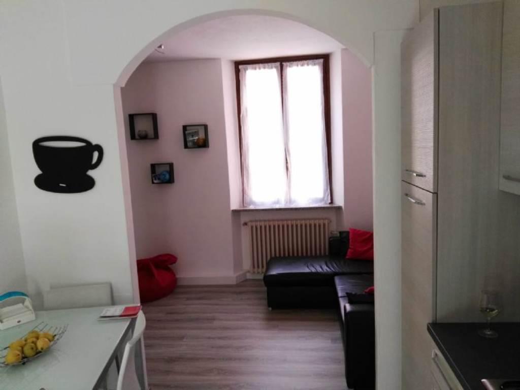 Appartamento in vendita a Germignaga, 2 locali, prezzo € 92.000 | Cambio Casa.it