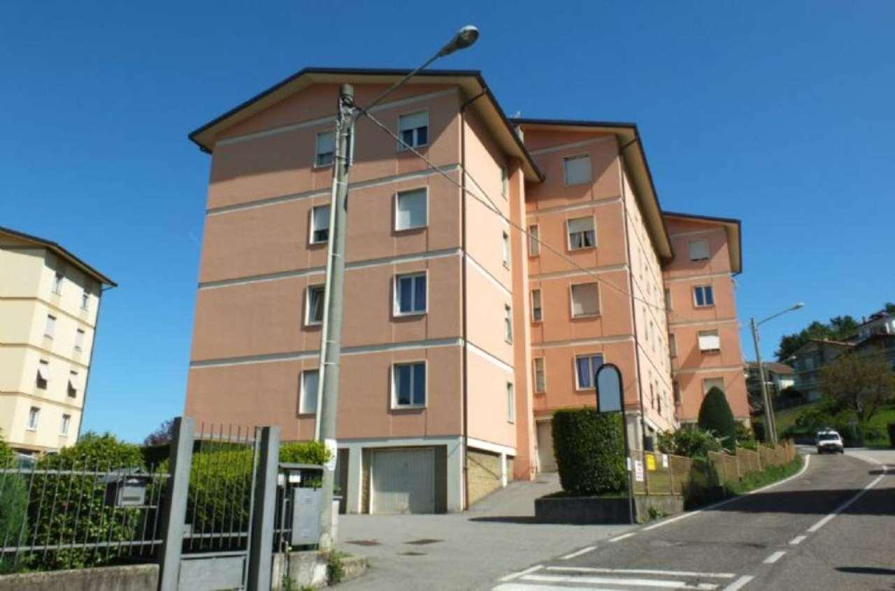 Appartamento in vendita a Luino, 3 locali, prezzo € 135.000 | CambioCasa.it