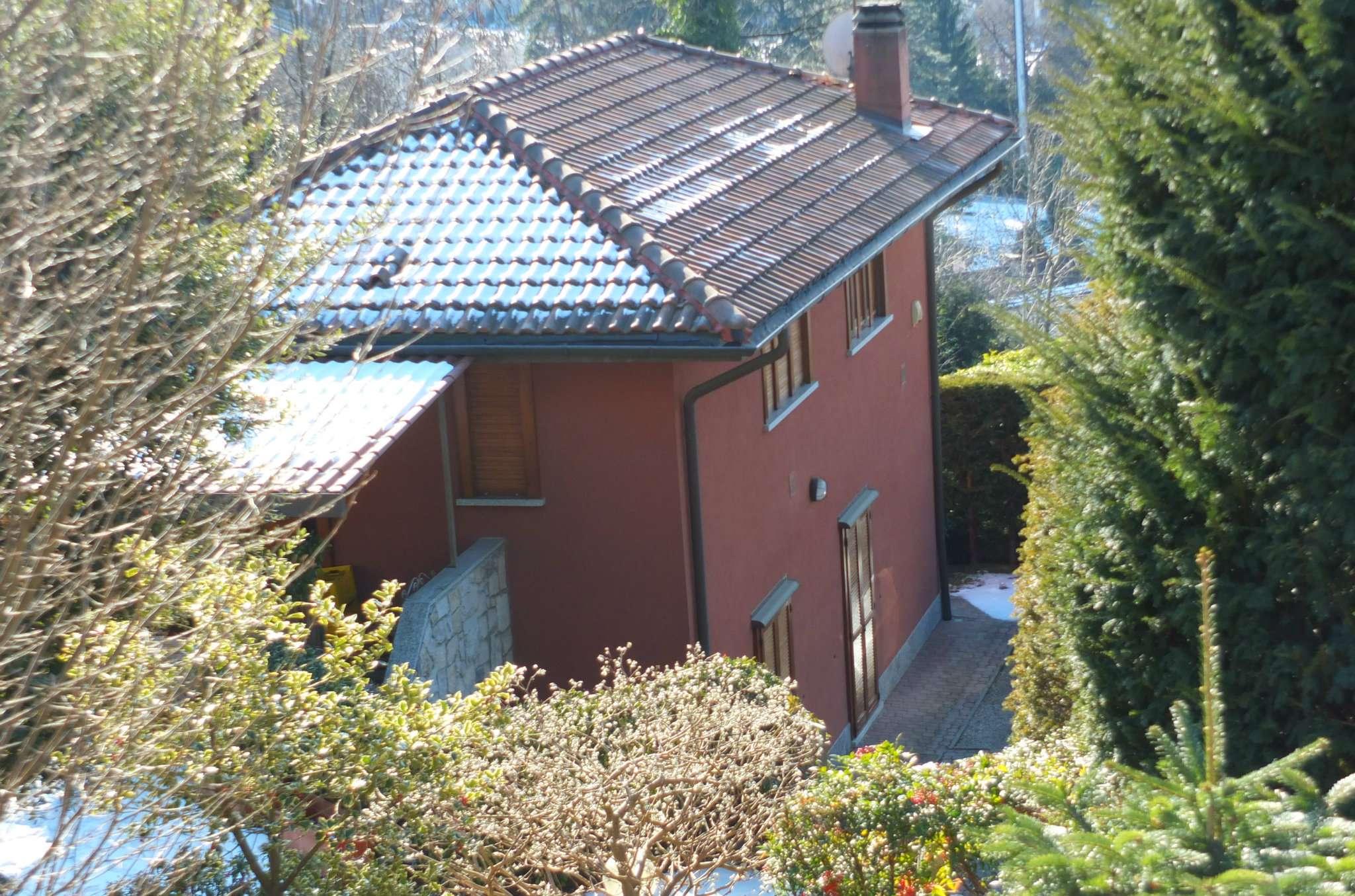 Soluzione Indipendente in vendita a Luino, 5 locali, prezzo € 360.000 | Cambio Casa.it