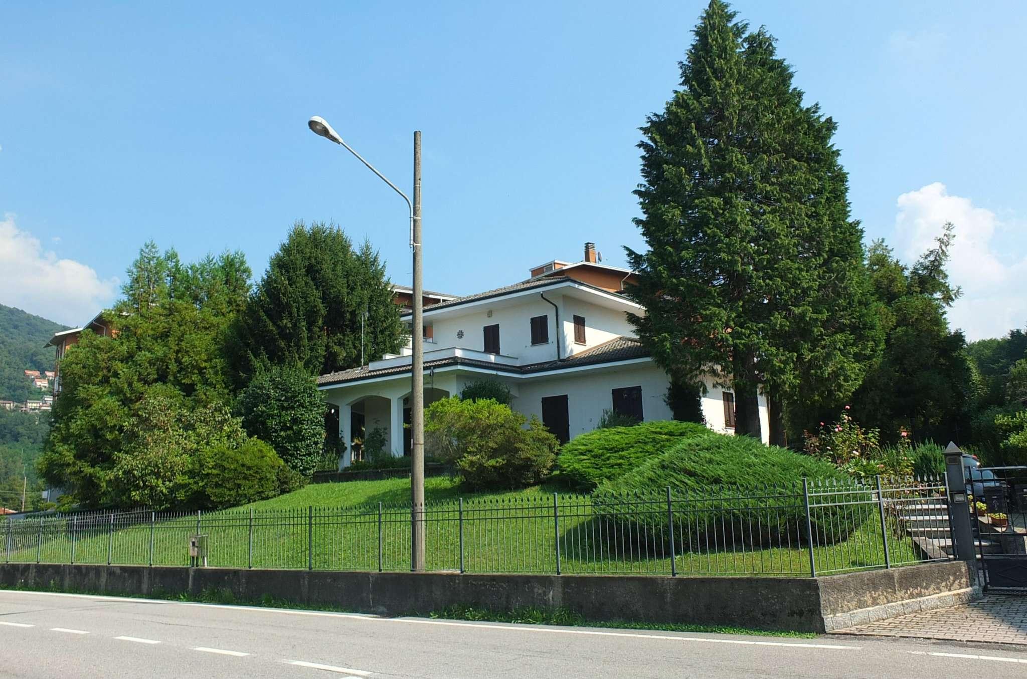 Soluzione Indipendente in vendita a Luino, 6 locali, prezzo € 450.000 | CambioCasa.it