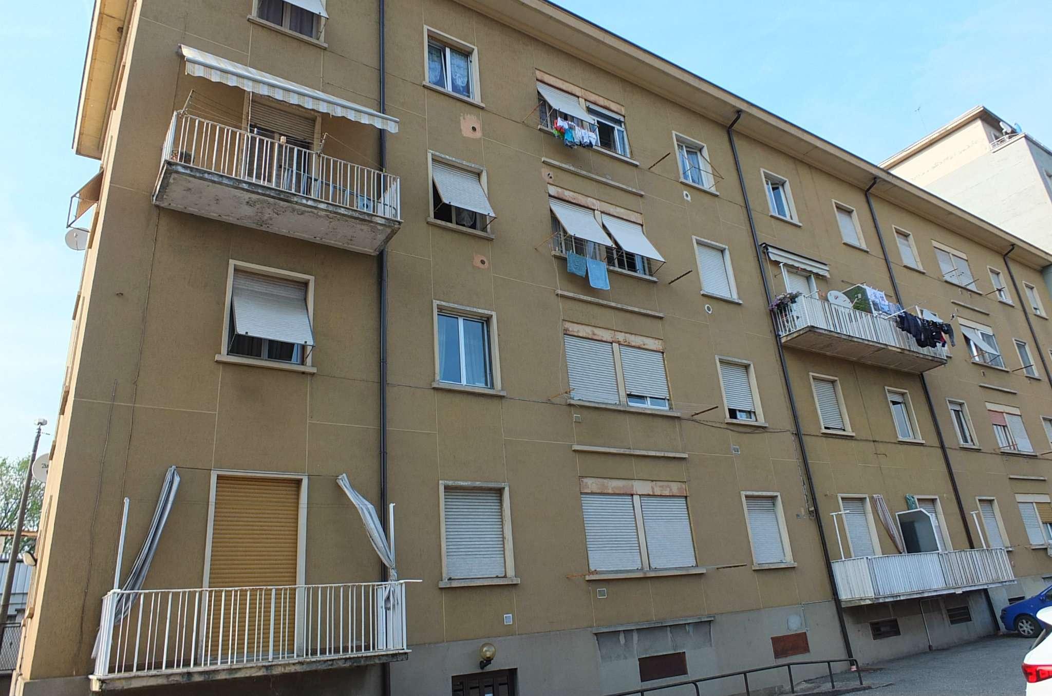 Appartamento in vendita a Luino, 3 locali, prezzo € 70.000 | CambioCasa.it