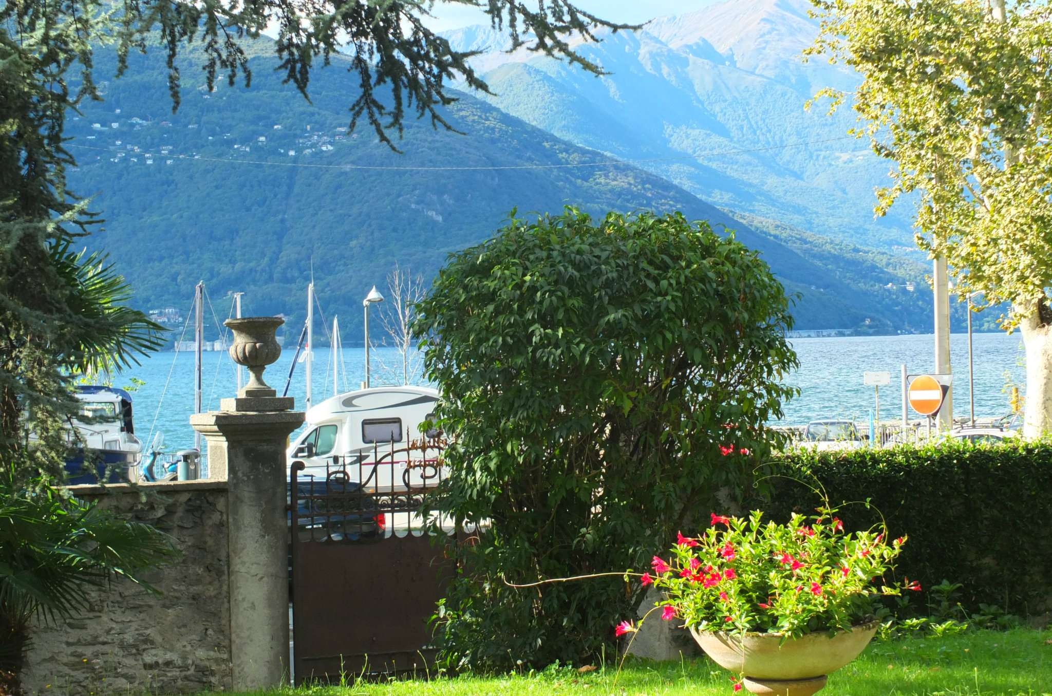 Appartamento in vendita a Luino, 2 locali, prezzo € 130.000 | CambioCasa.it