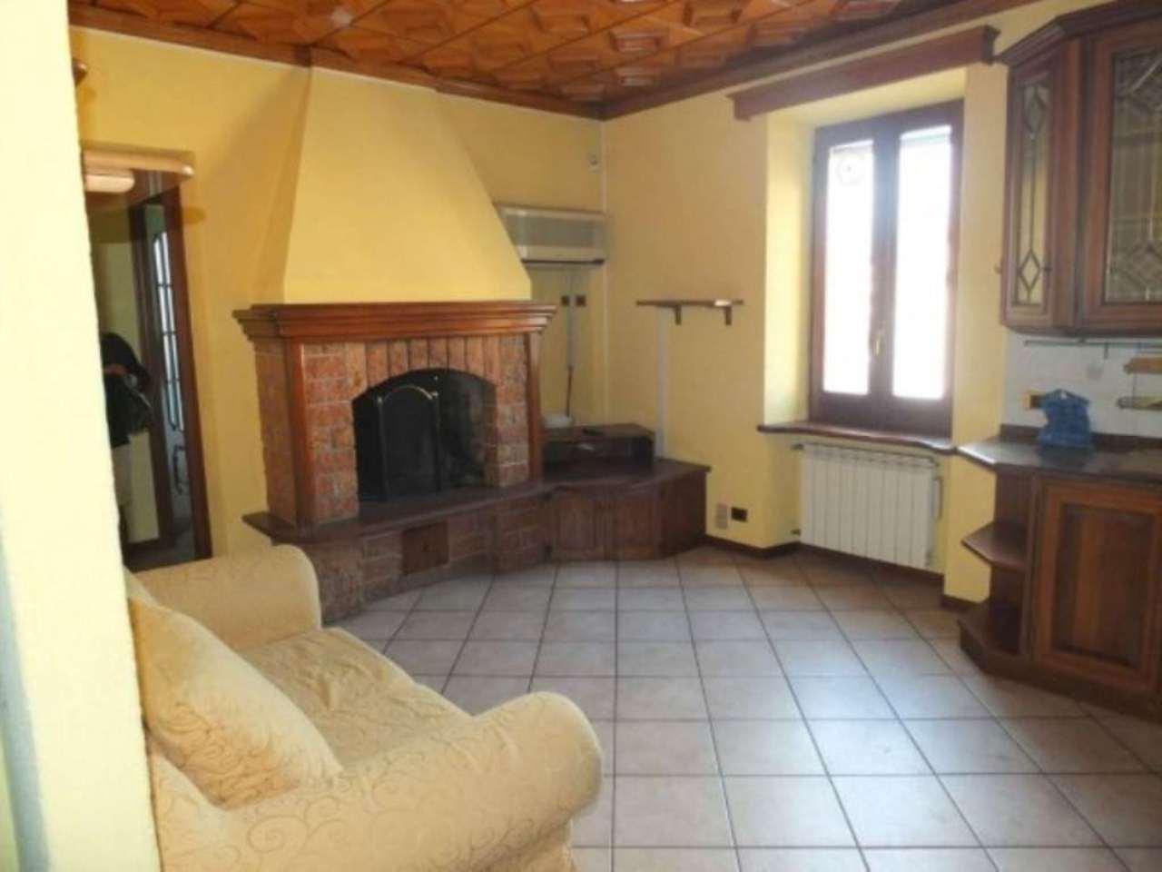 Appartamento in vendita a Luino, 3 locali, prezzo € 68.000 | CambioCasa.it