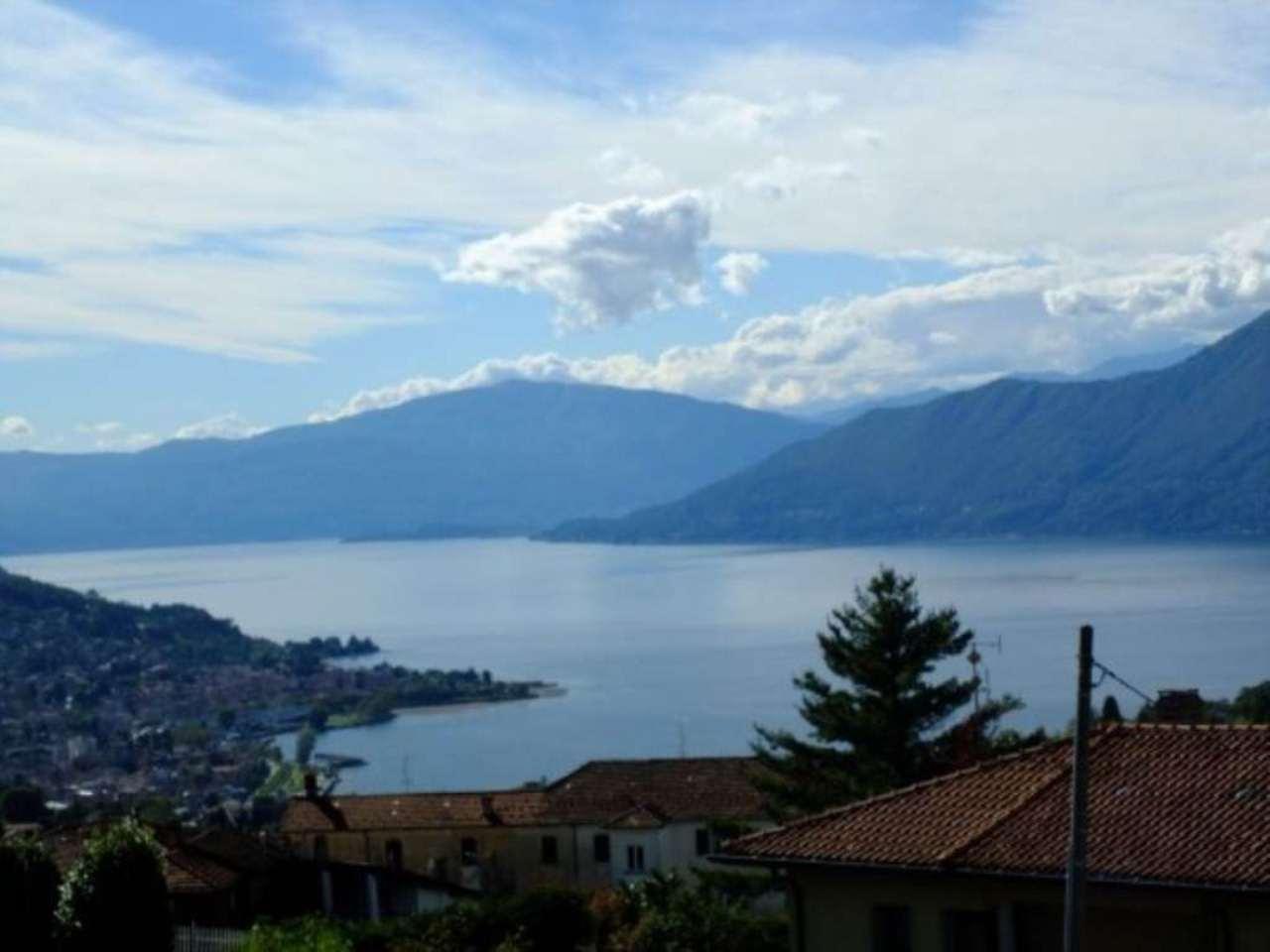 Villa in vendita a Luino, 8 locali, prezzo € 620.000 | Cambio Casa.it