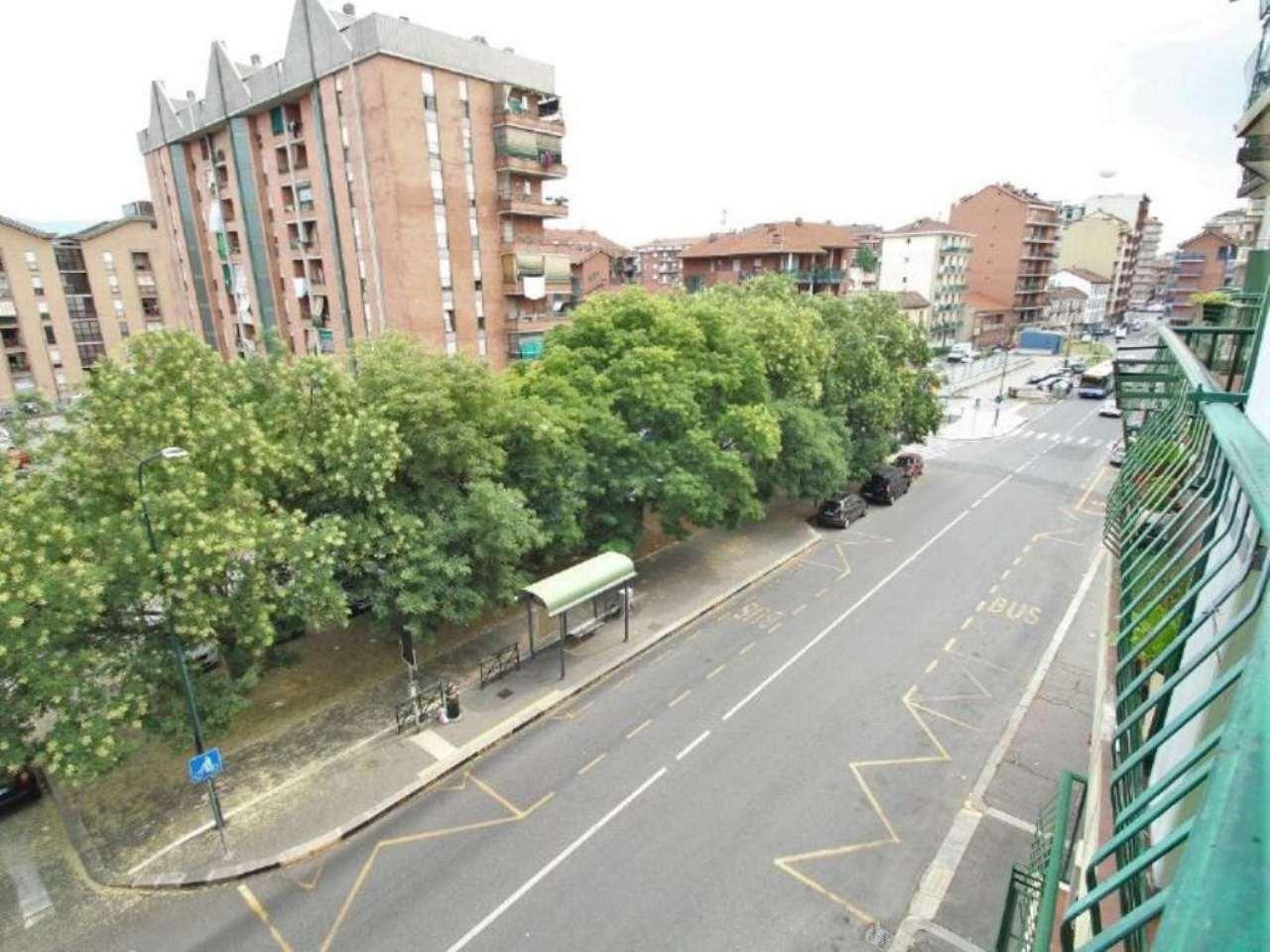 Bilocale Torino Via Clementi 8