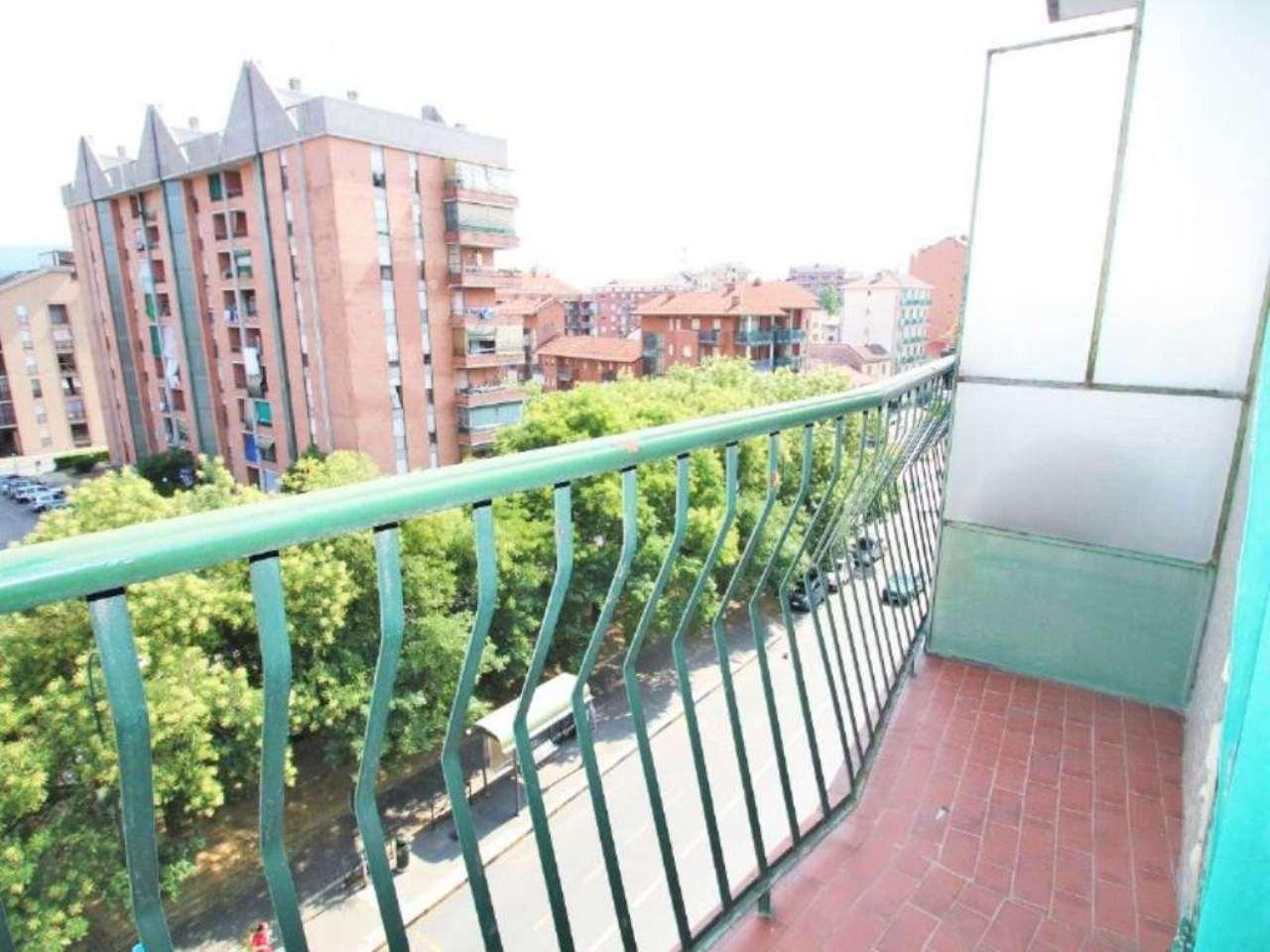 Bilocale Torino Via Clementi 7