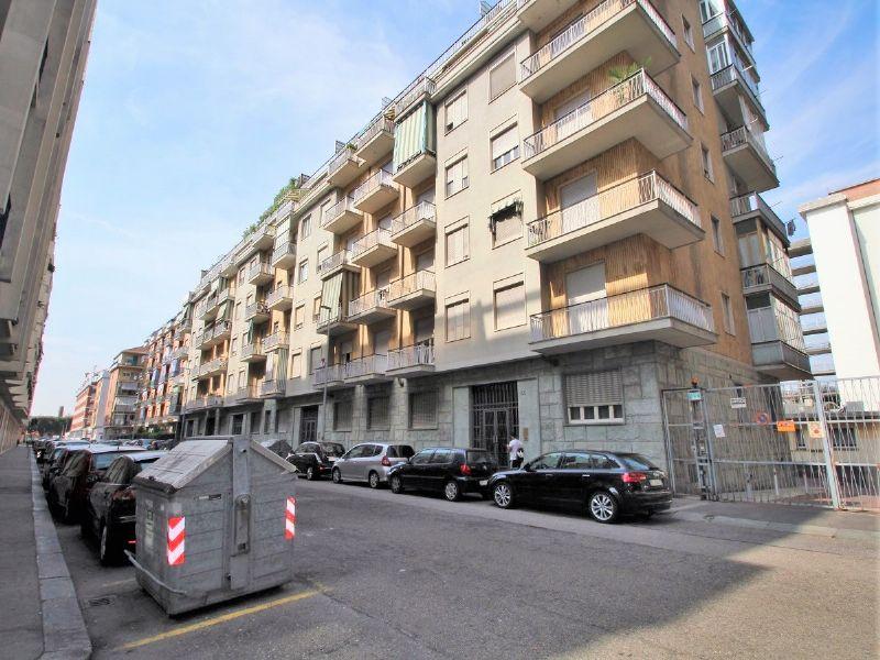 Bilocale Torino Via Pedrotti 10