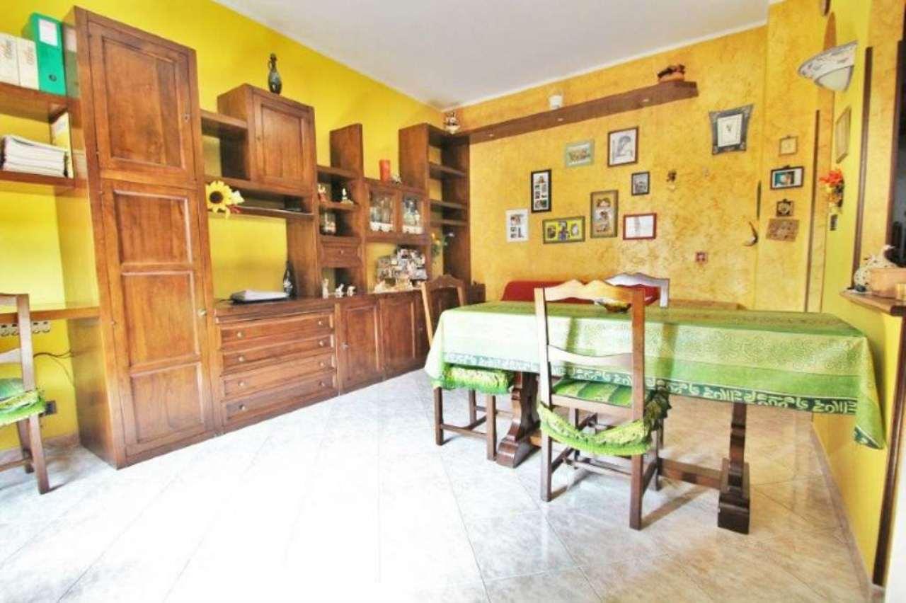 Bilocale Torino Via Petrella 2