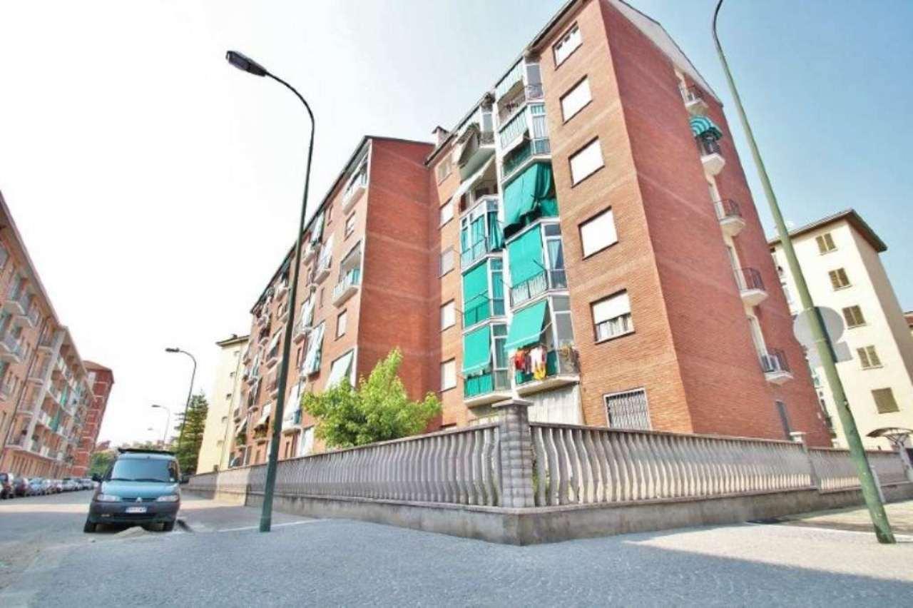 Bilocale Torino Via Petrella 11
