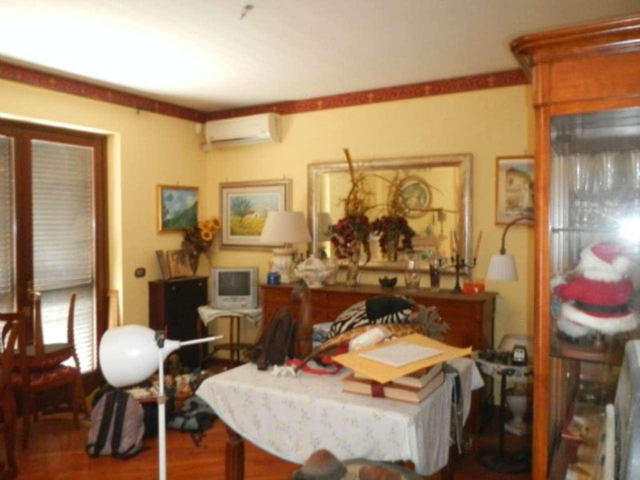 Soluzione Indipendente in vendita a Guidonia Montecelio, 6 locali, prezzo € 280.000   Cambio Casa.it