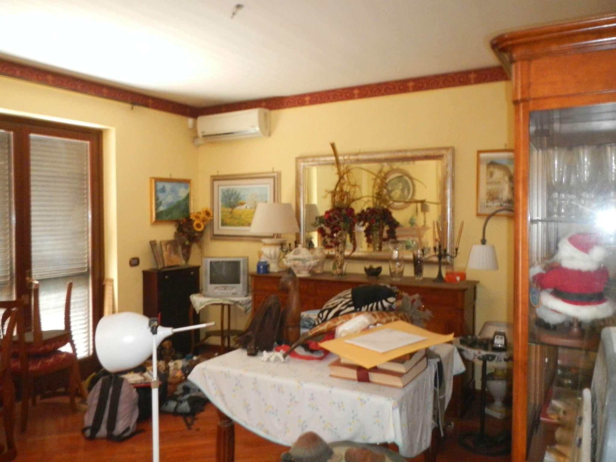 Soluzione Indipendente in vendita a Guidonia Montecelio, 6 locali, prezzo € 280.000 | Cambio Casa.it