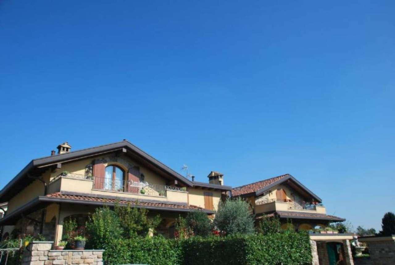 Villa Bifamiliare in Vendita a Lurago Marinone
