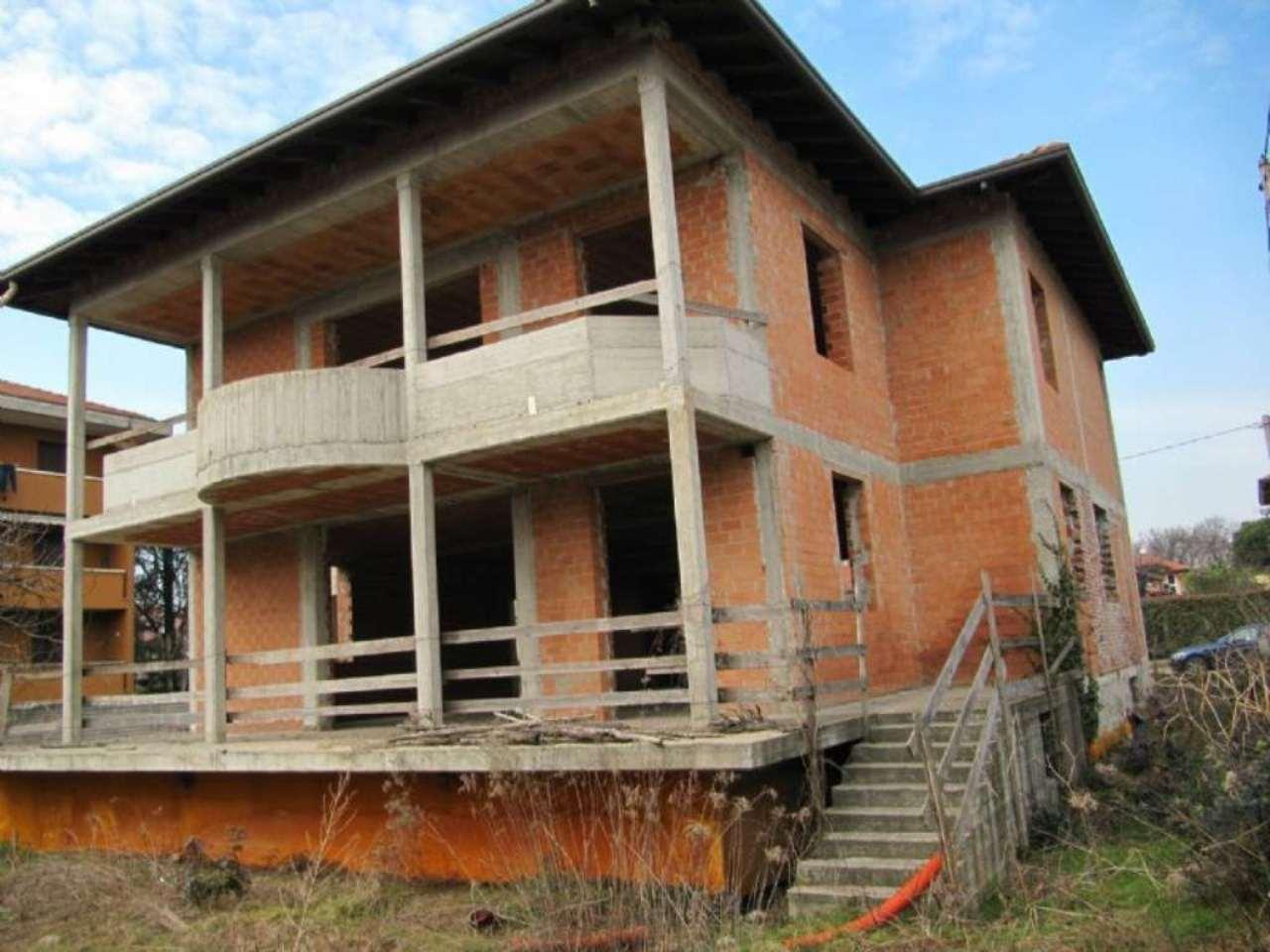 Villa Bifamiliare in vendita a Solbiate Olona, 8 locali, prezzo € 490.000 | Cambio Casa.it